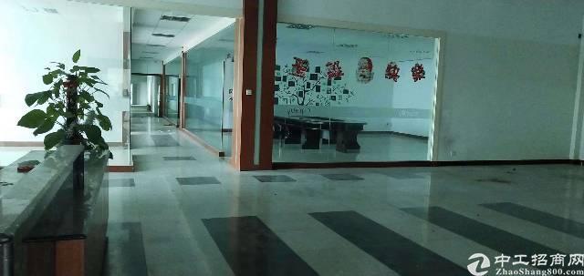 福永塘尾地铁站附近楼上1900平米带装修厂房