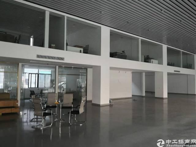 广州地铁5号线三溪地铁口精装修一楼铺面招租