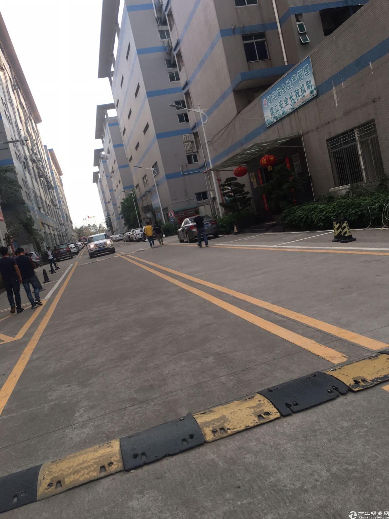 福永新和原房东楼上2900平米无尘车间出租