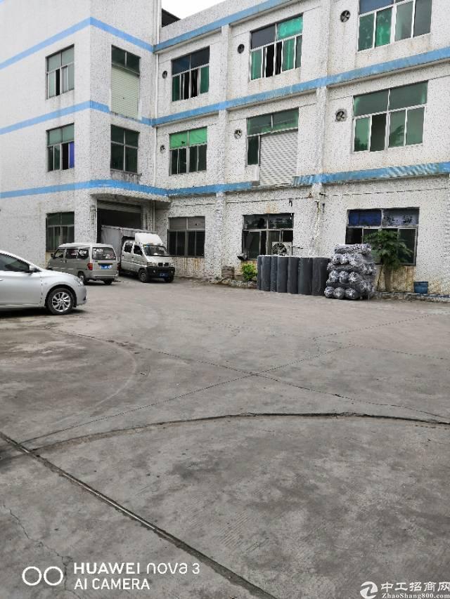 平湖富民工业区新出三楼厂房出租
