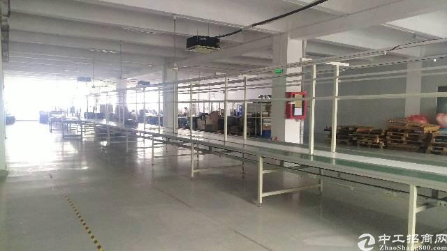 松岗107国道边潭头新出楼上1600平方带装修厂房低价出租