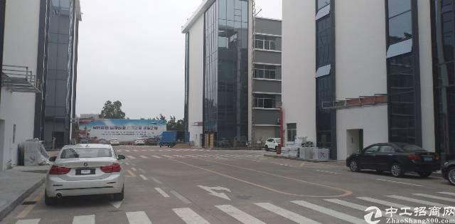 平湖街道独院厂房业主直租9000平米