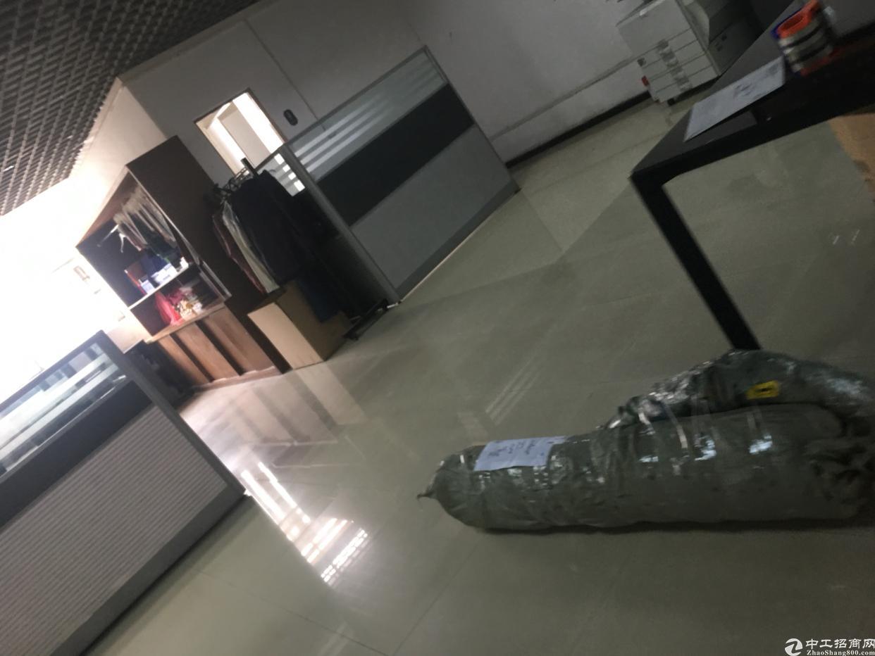 公明玉律一楼1000平原房东出租