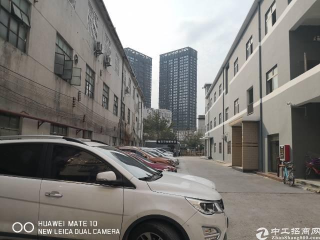 龙岗爱联地铁口零距离电商仓库厂房1000平出租大小分租