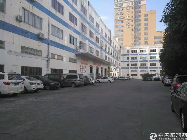 平湖富民工业区新出原房东一楼1500平方厂房招租(无公摊)