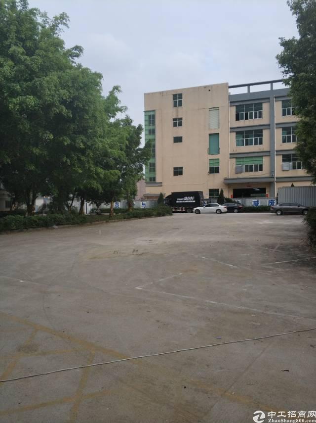 观澜人民路独院厂房2000平米每层出租空地超大