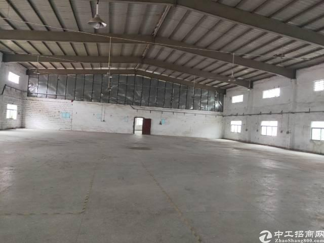 公明上村原房东钢构厂房3400平方出租。