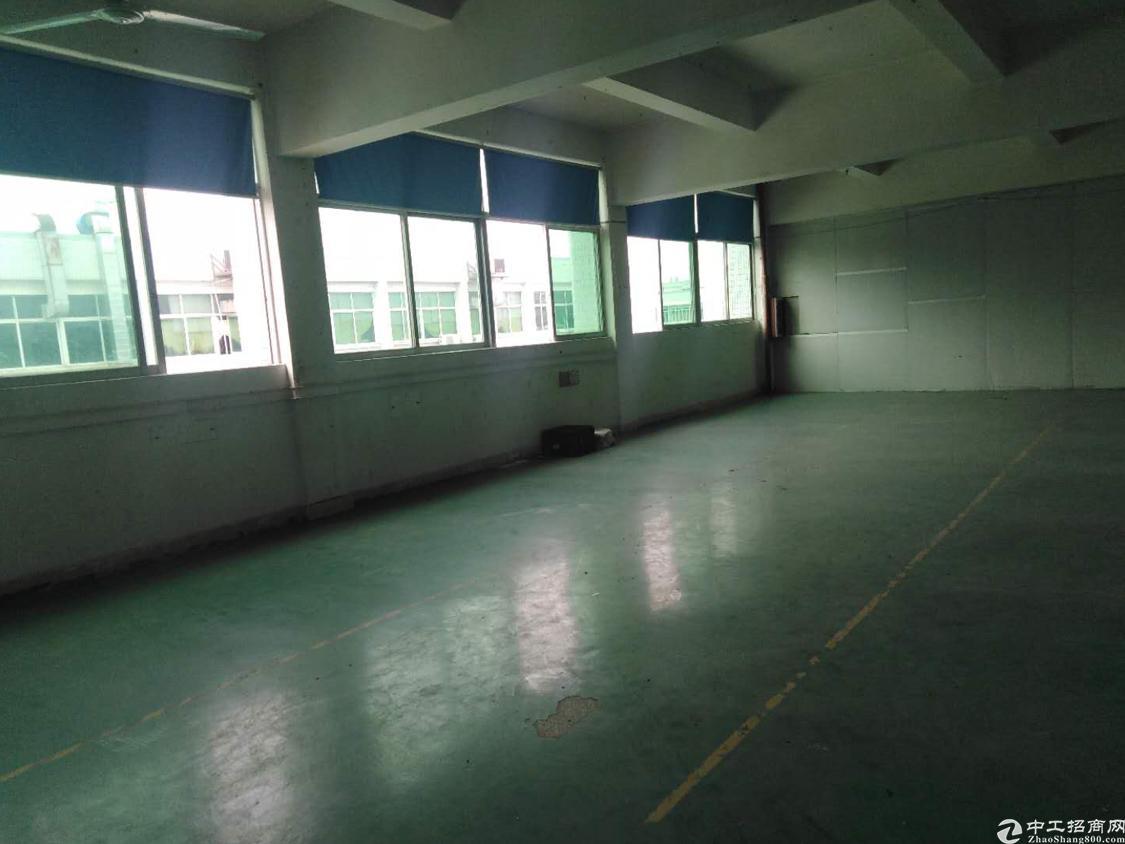 横沥镇三江工业区楼上厂房700平方,租金13