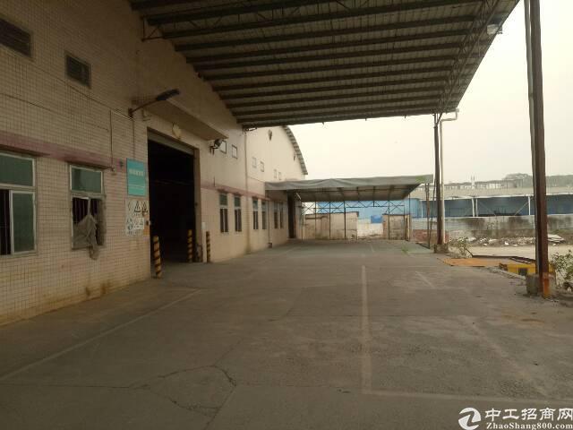 番禺石楼靠近坑头工业区附近一楼简易厂房5000平,可分租有证-图2