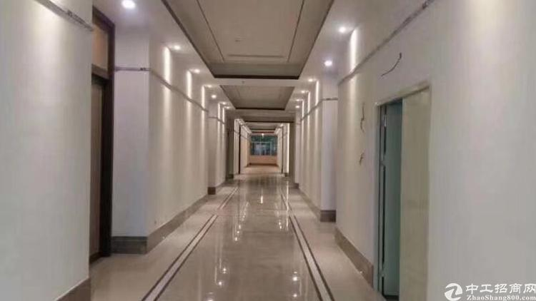 福永地铁口物业直租158平方精装修写字楼