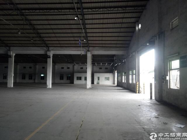 番禺石楼靠近坑头工业区附近一楼简易厂房5000平,可分租有证