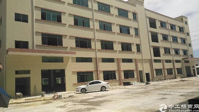 独院标准厂房9050平方出售