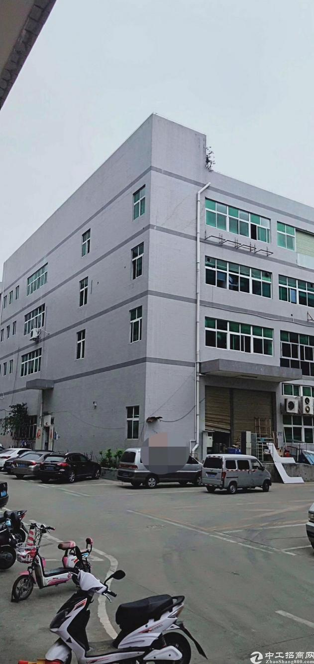 石岩北环独栋厂房1到4层10800平出租