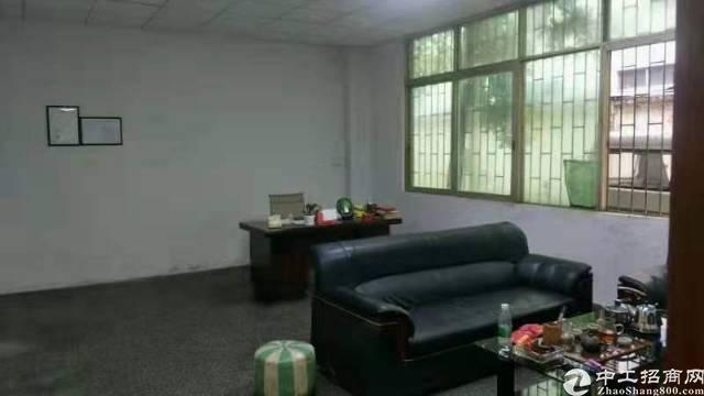 高埗镇冼沙一坊广场北路实业客分租,一楼400平方,