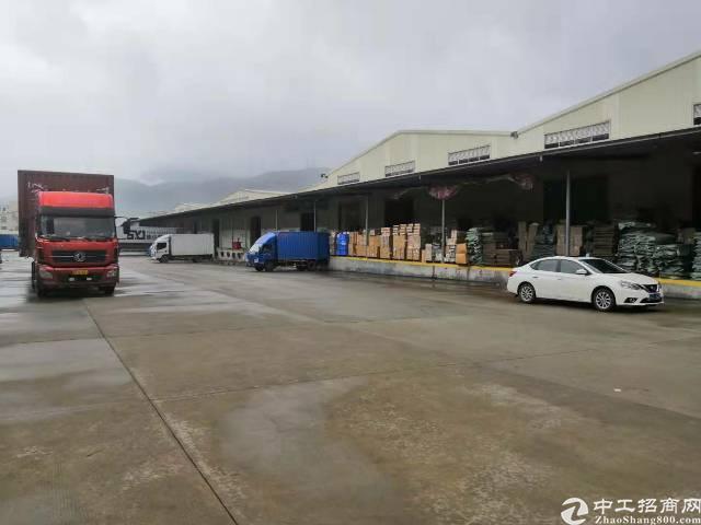 横岗标准物流仓库11,000平可分租价格33层高7米5