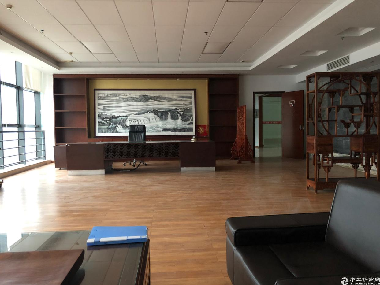 西丽塘朗地铁口附近1500平厂房招租