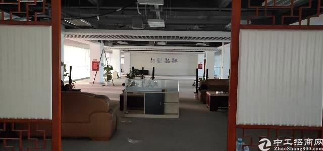 横岗六约地铁站口二楼精装办公室出租-图4