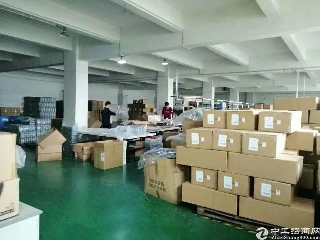 平湖新出原房东厂房2楼1600平方出租,有现成办公室装修-图2