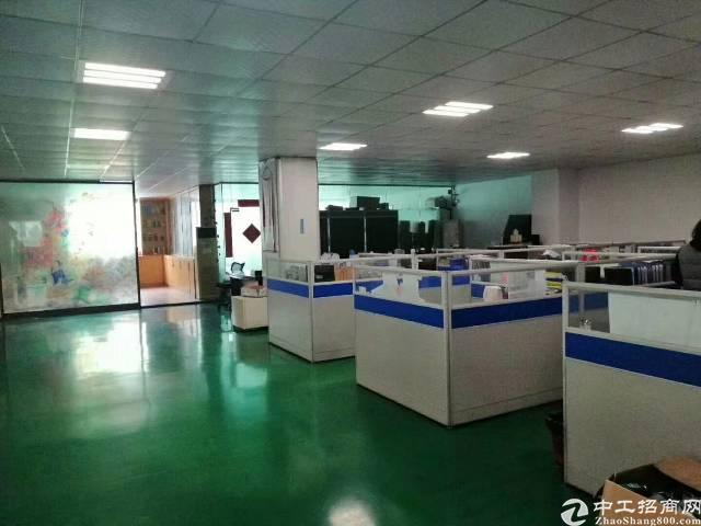 平湖新出原房东厂房2楼1600平方出租,有现成办公室装修