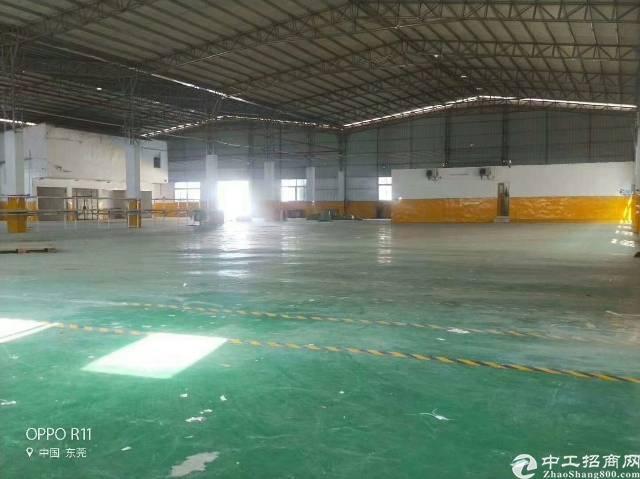 长安镇新出滴水8米高钢构4000平方厂房出租-图4