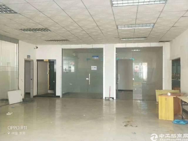 长安镇新出滴水8米高钢构4000平方厂房出租-图3