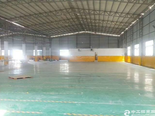 长安镇新出滴水8米高钢构4000平方厂房出租-图5