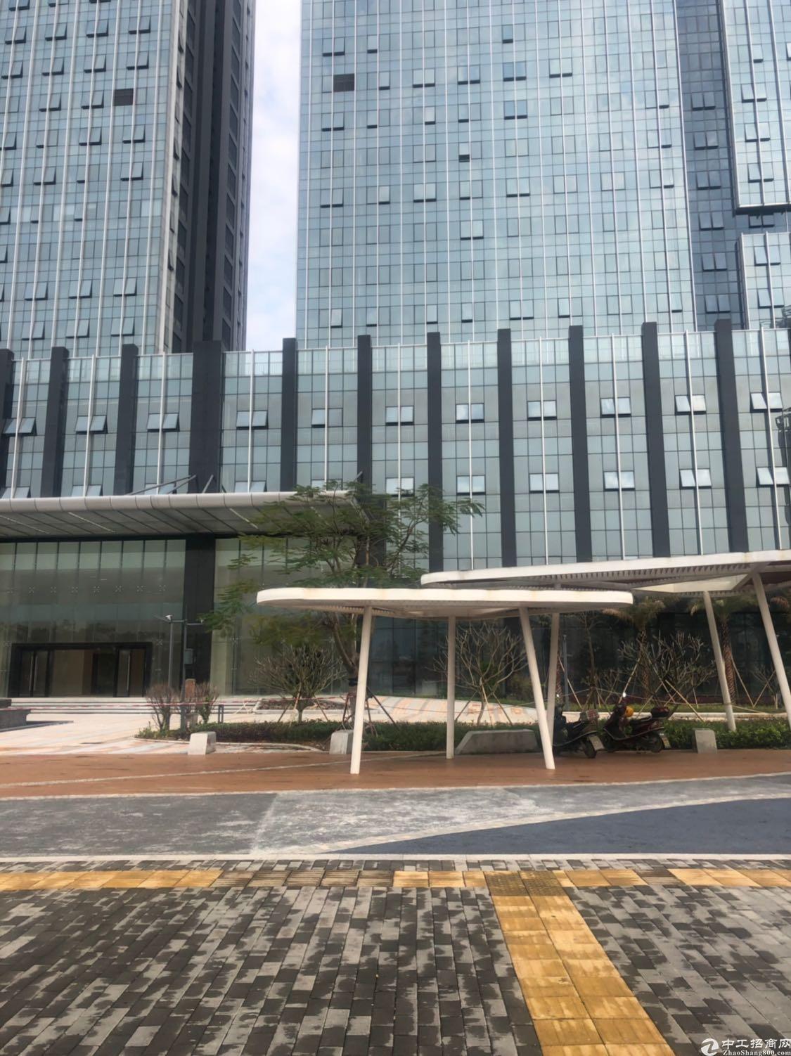 深圳光明新区公明主干道旁写字楼