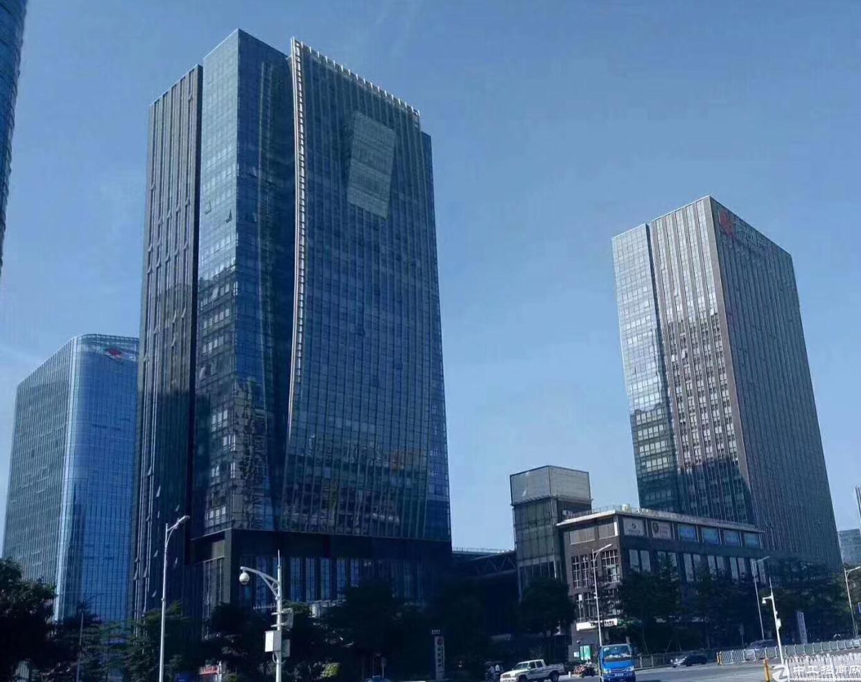 宝安双地铁站龙光世纪大厦整层2300平出租