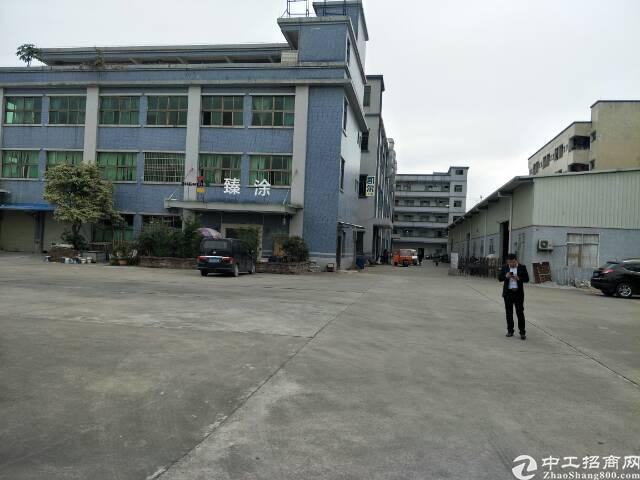 石湾厂房1-2层共2层,4500平方,宿舍150