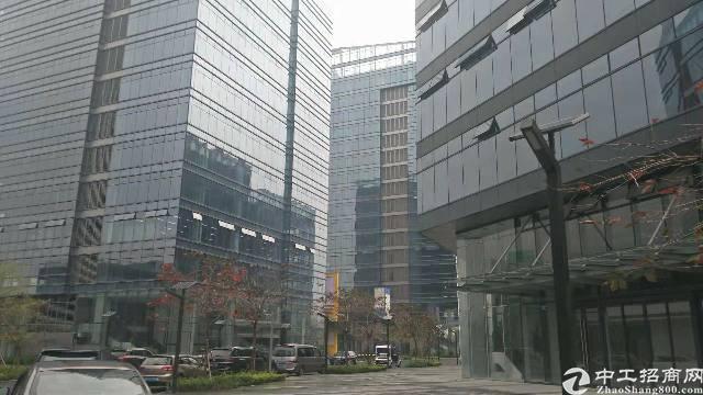 新华大面积写字楼出租,13万平方,适合酒店、商务、企业办公楼