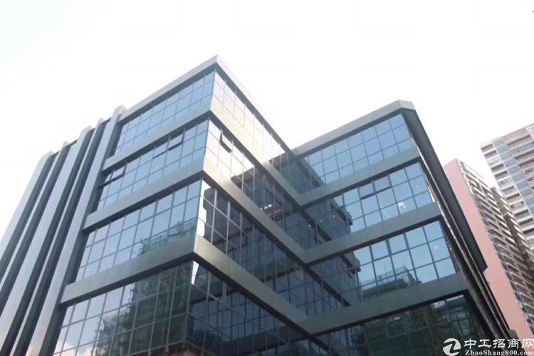 深圳,龙华,豪华装修,公摊小,停车位充足交通方便,形象极佳。