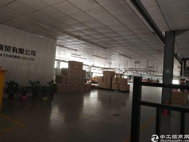 平湖华南城附近新出二楼1200平方低价出租