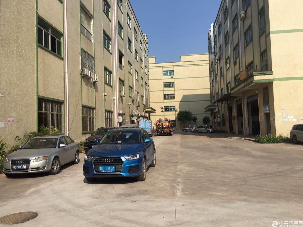 坪山龙田一楼厂房出租6米带航车
