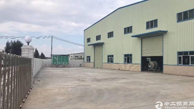 小金口形象非常漂亮的单一层独院厂房1200平方招租。