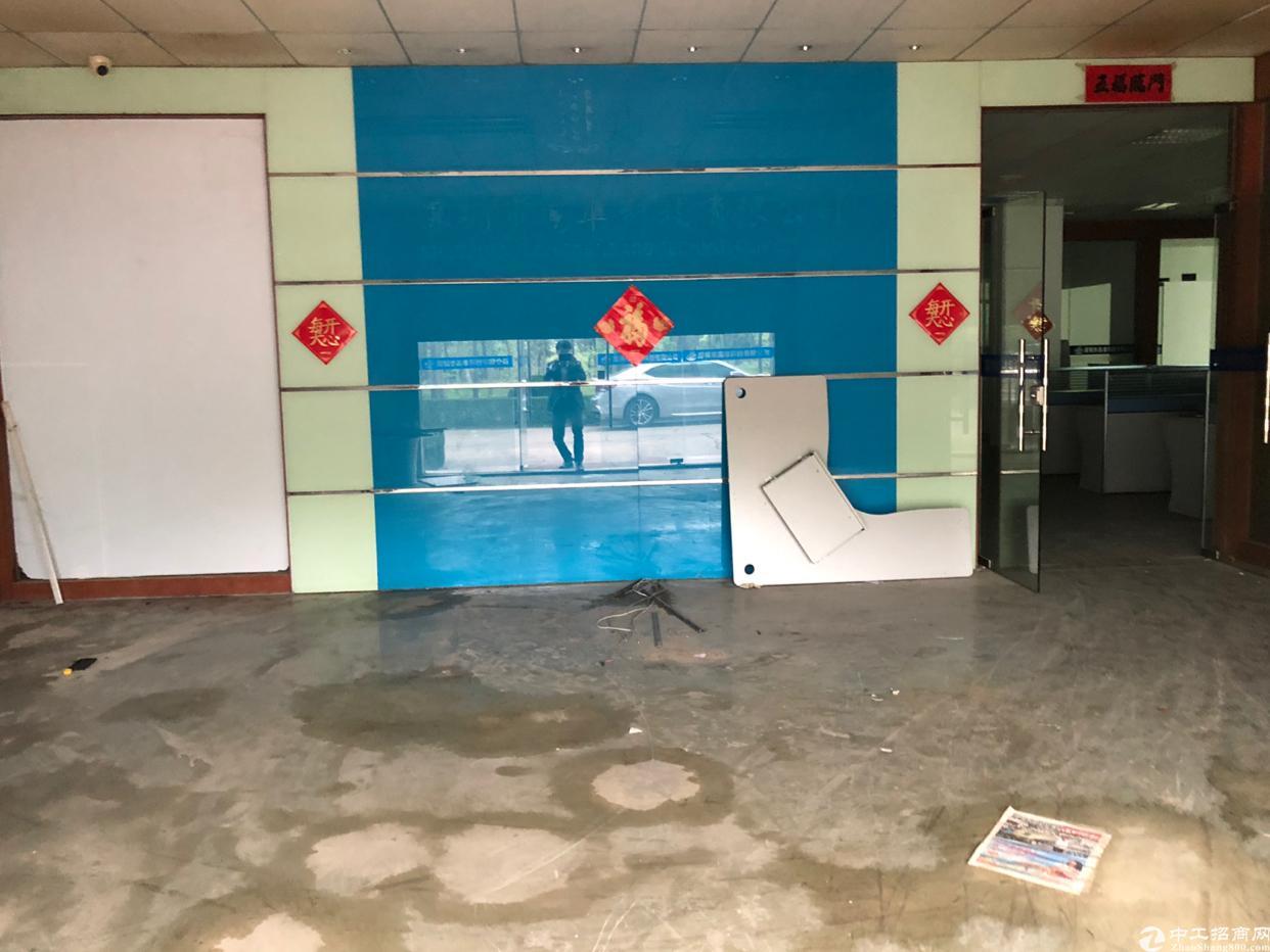 石岩水田一楼1500平精装办公区带车间招租
