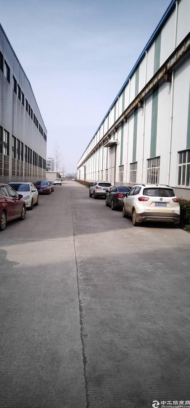 武汉市江夏区新出重工型单一层钢构现成办公室航车