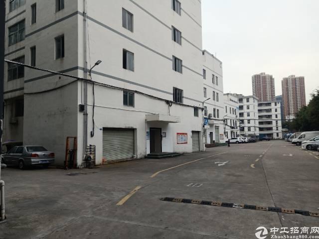 平湖富民工业区新出三楼整层1240平方带装修厂房招租