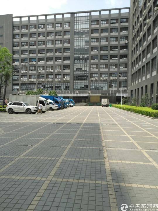 平湖辅城坳工业区一楼720平方米