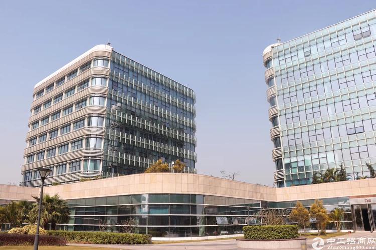 福永机场写字楼300平方精装修带隔间