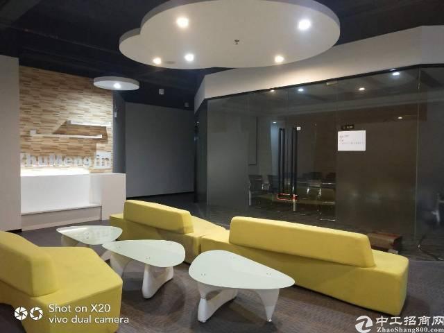 观澜高新产区旁新出自有物业优质甲级写字楼