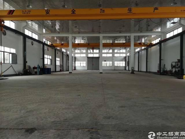 石湾现成行车标准单一层厂房,证件齐全,适合重工业厂房