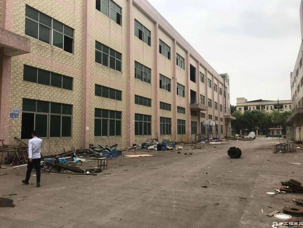 东莞清溪高速路口新出原房东独院厂房一楼6米6000平可分