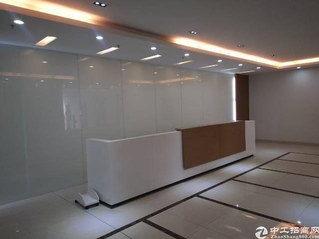 石岩塘头新出楼上带豪华装修厂房3400平招租