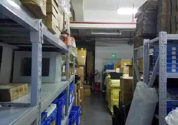 龙华天虹附近新出楼上600平精装修无转让费办公室加小仓库图片5