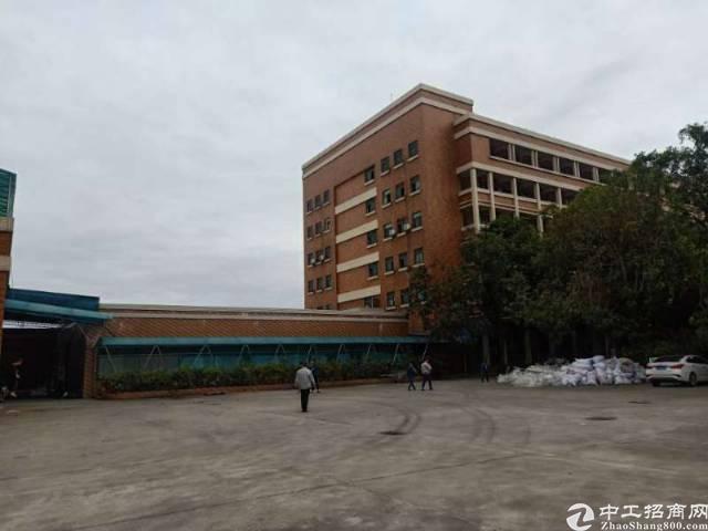 花园式厂房1-5层14000,宿舍1-6层11000,