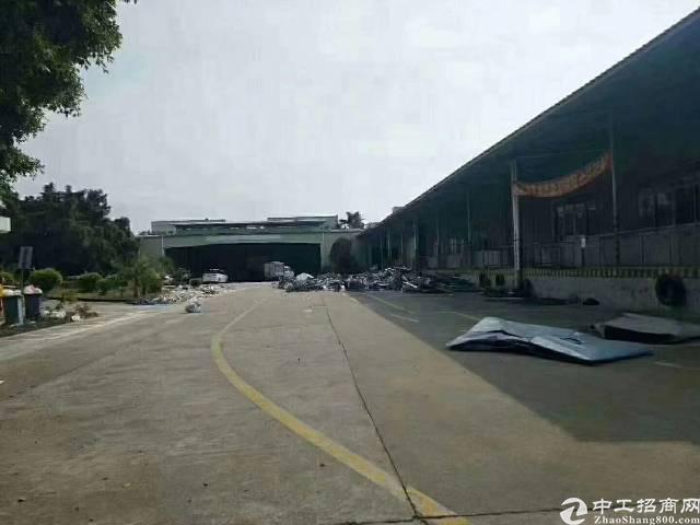 深圳新出标准物流仓库30888平方,消防过丙类。