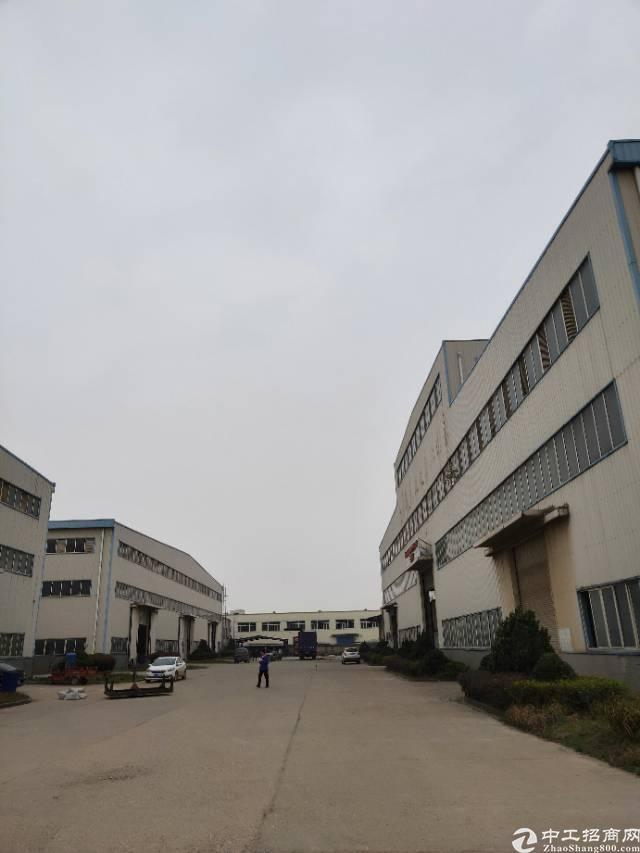 武汉江夏重工钢构厂房,主干道旁,带现成航车