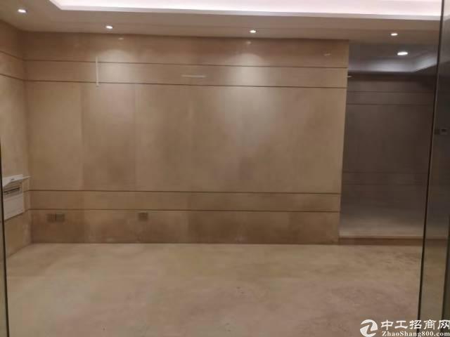 优质房源西乡地铁口0距离230平豪装办公室出租原使用率