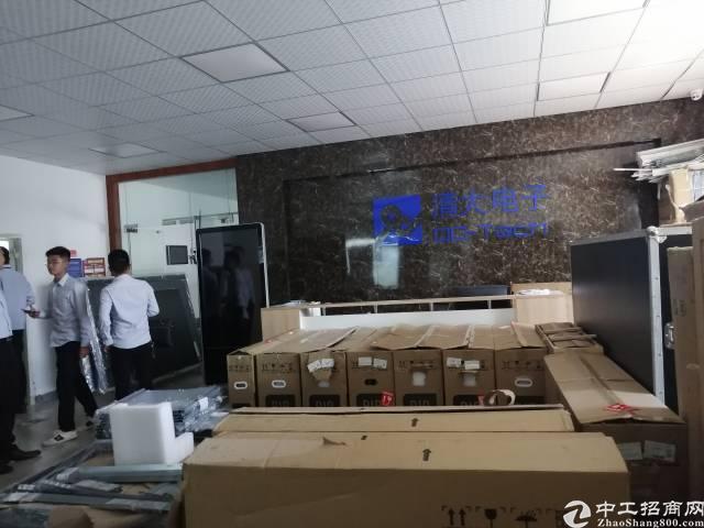 深圳宝安福永新出原房东厂房1000平出租带装修免转让费