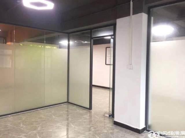 鱼珠地铁口零距离三楼188平精装修办公室出租图片6